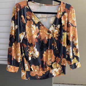 Fall floral long sleeve top size Small